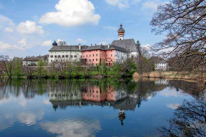 Höglwörther See mit Kloster