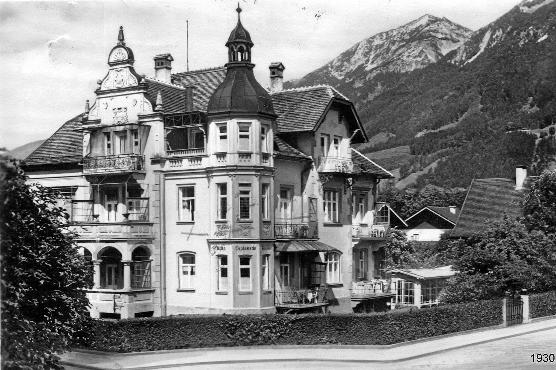 1930 Villa Esplanade